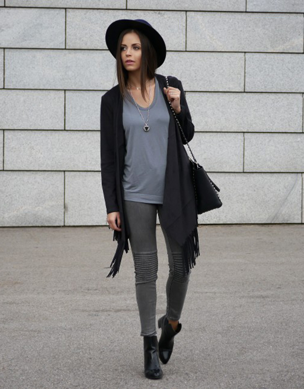 All Grey Outfit: Dorota Jawinska is wearing a pale grey tank top with a pair of skinny jeans both from Zara