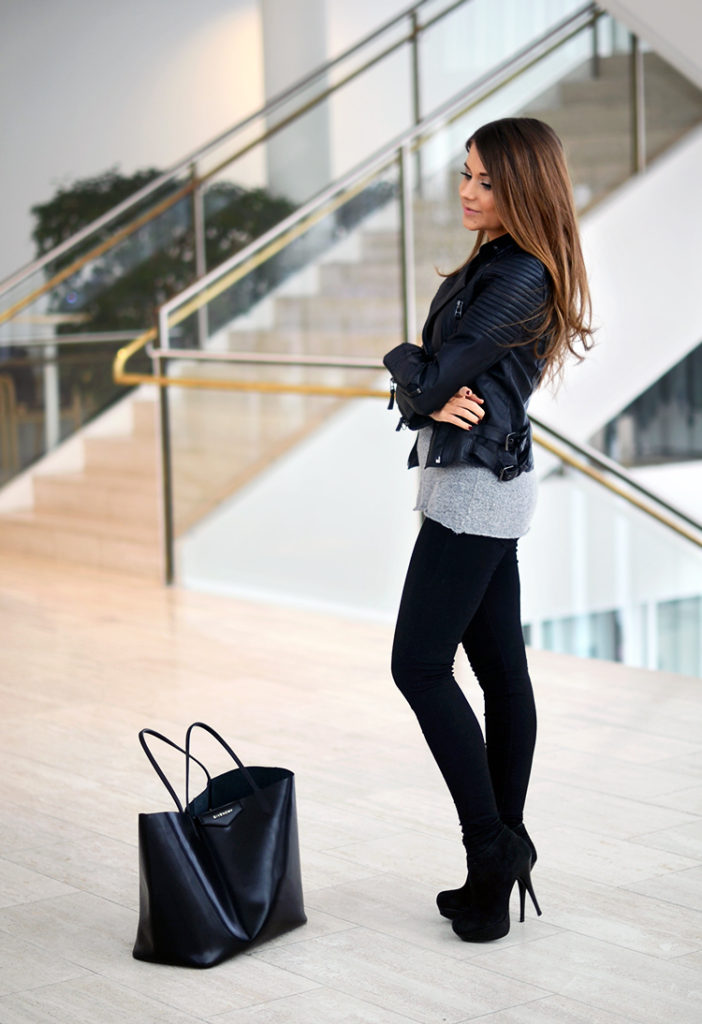 Marianna Mäkelä is wearing a leather jacket from Zara, grey weater from Brandy Melville, bag from Givenchy and the black leather high heels are from Steve Madden