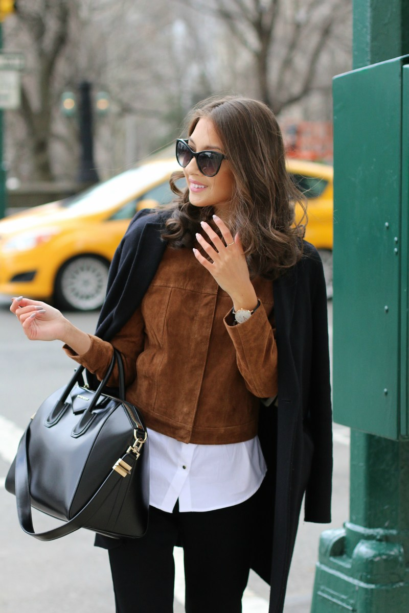 Felicia Akerstrom is wearing a suede jacket from Mango