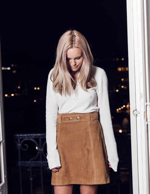 Suede Trend 2015: Sofi Fahrman is wearing a brown suede skirt from H&M