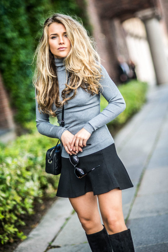 Another great look for fall. The turtleneck is in style again this year. Via Molly Rustas  Top: Gina Tricot, Skirt: Zara