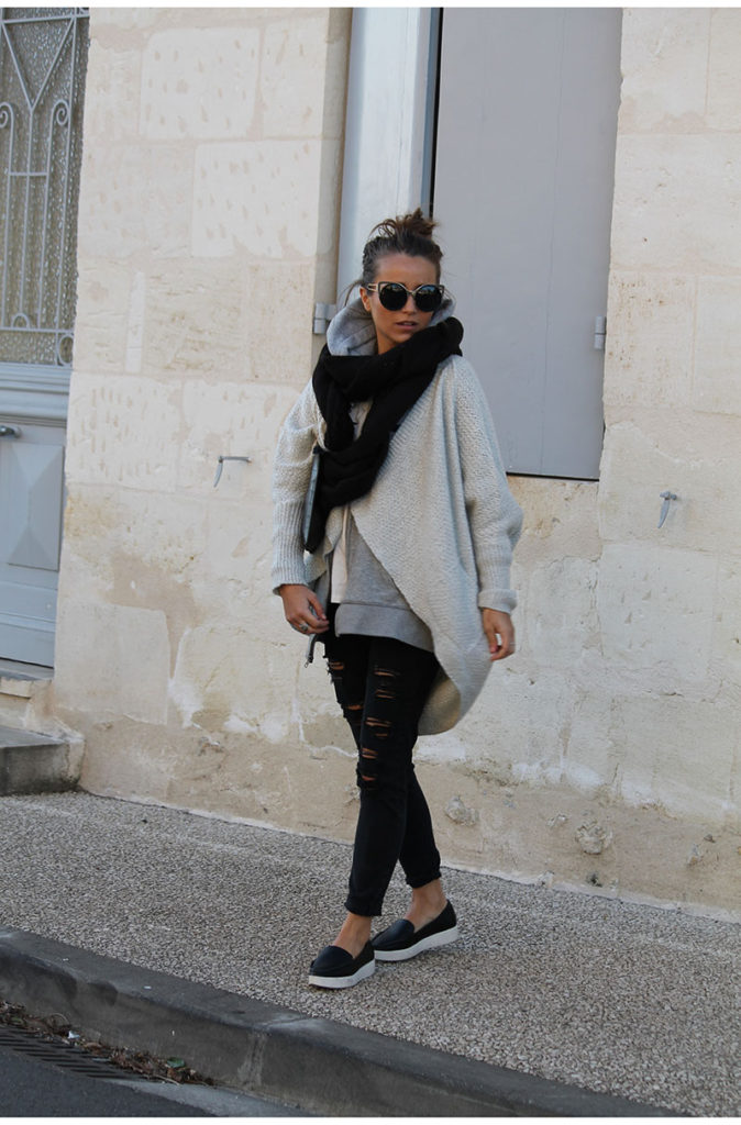 Camille Callen is wearing  black jeans from Mango, a beige jacket from Forever 21 and sunglasses from Choies