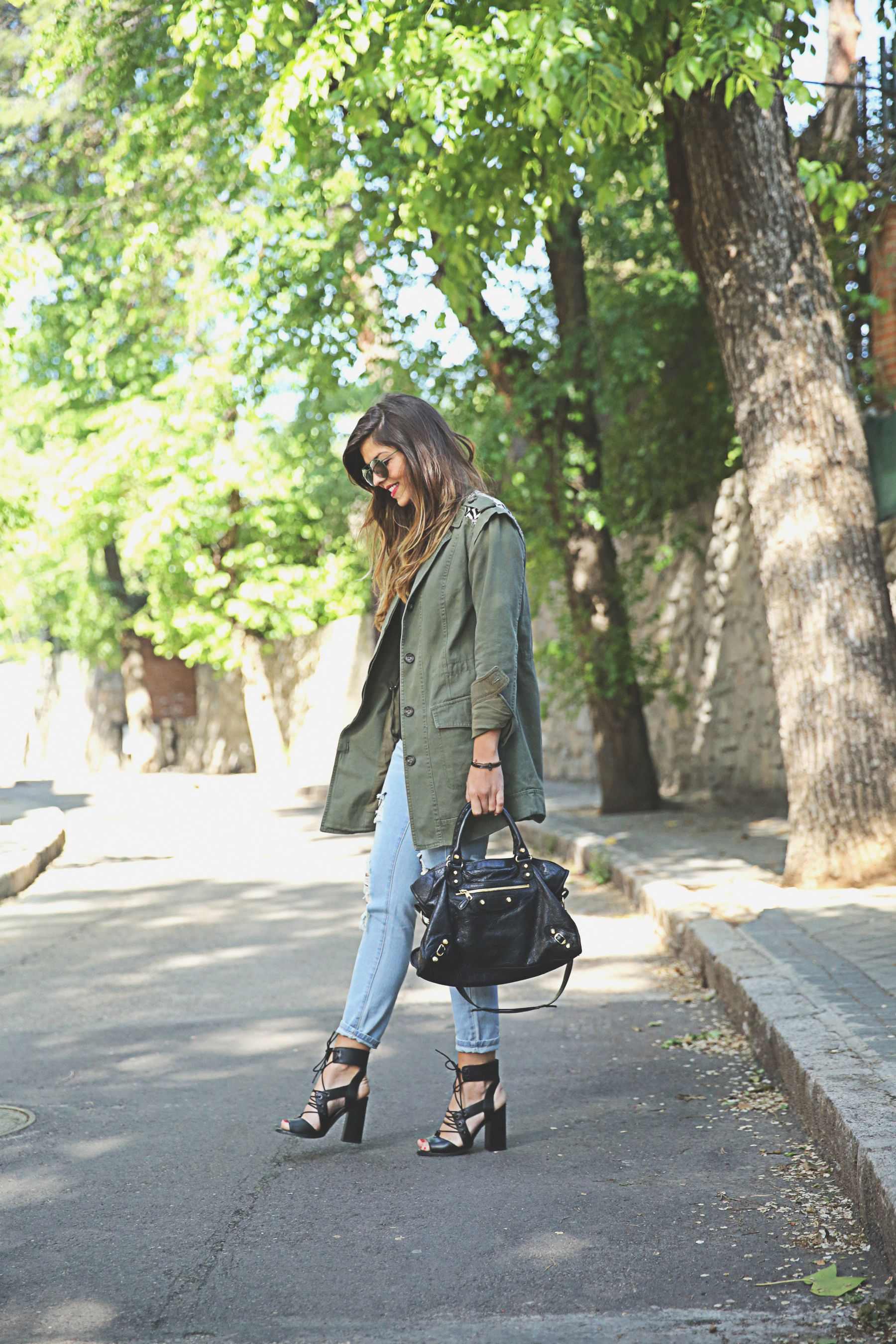 Military Look Trend: Natalia Cabezas is wearing a Buylevard khaki green army style jacket