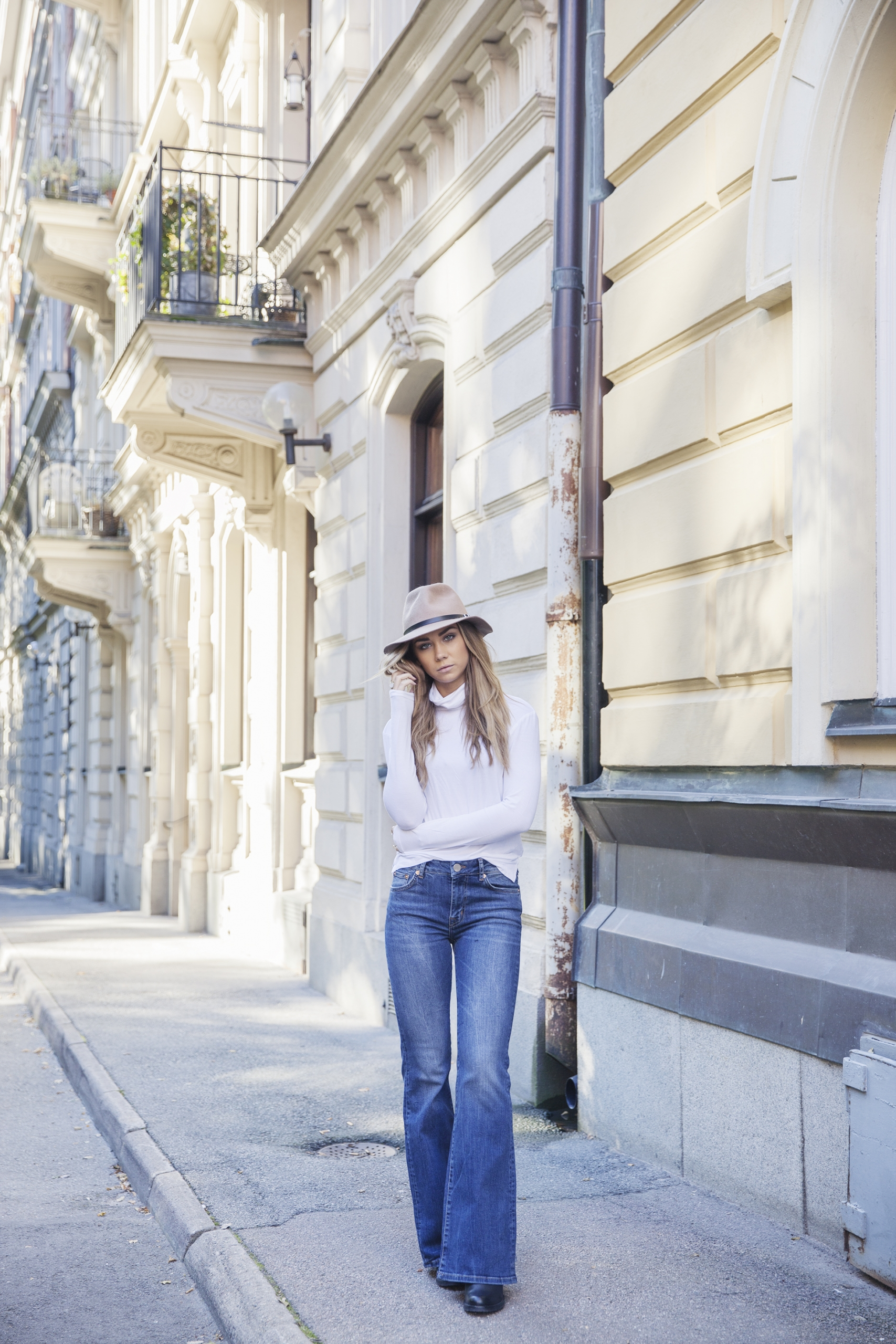 Flared jeans are the ultimate 70s item. Wear yours with a turtle neck top and fedora to recreate Lisa Olsson's look. Jeans/Top: Lager157.