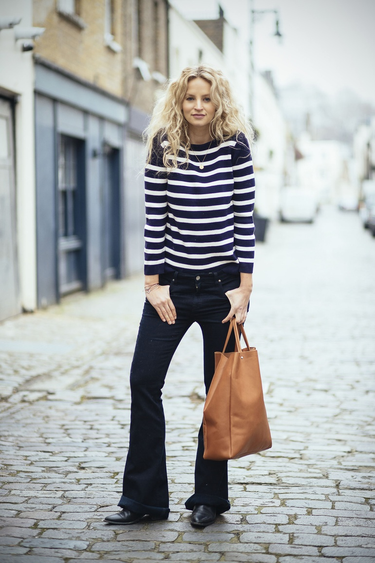 Anouk Yve is wearing a pair of Victoria Beckham flared jeans