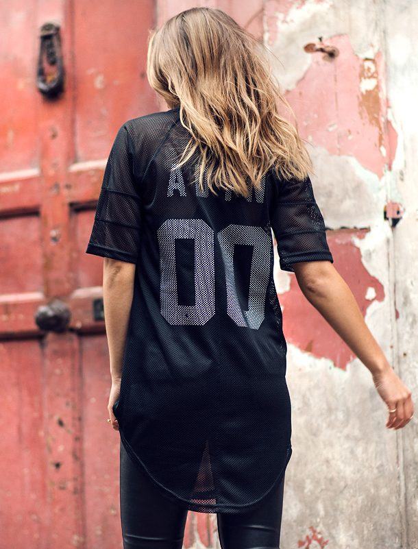 Athleisure Trend: Lisa Olsson is wearing a top from Adyn