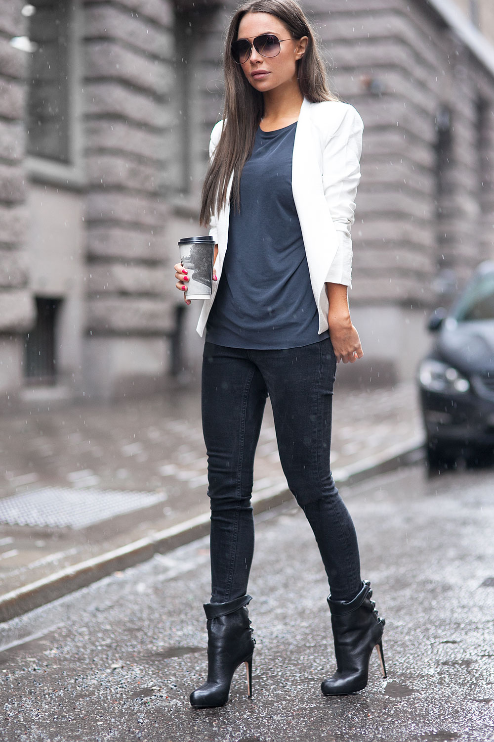 Johanna Olsson is wearing black jeans from Frame, ankle boots from Max Kibardin, White blazer from Cameo and the top is from lindex