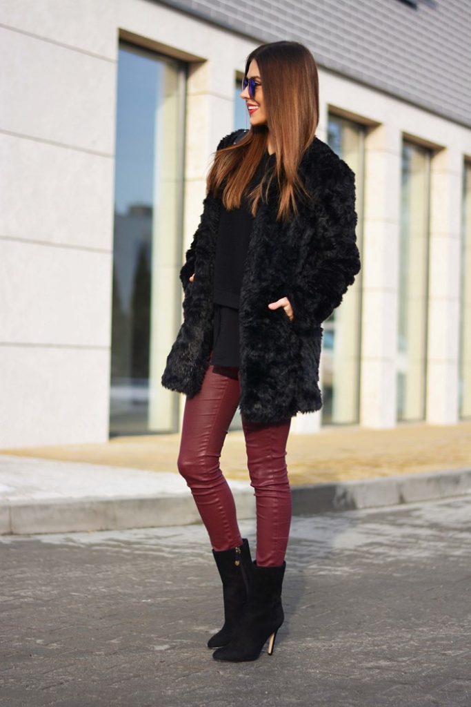 Street Style, February 2015:  Alicja is wearing a black faux fur coat from Stradivarius, black shirt and sweater and burgundy leggings from Mango and boots from Paradopary