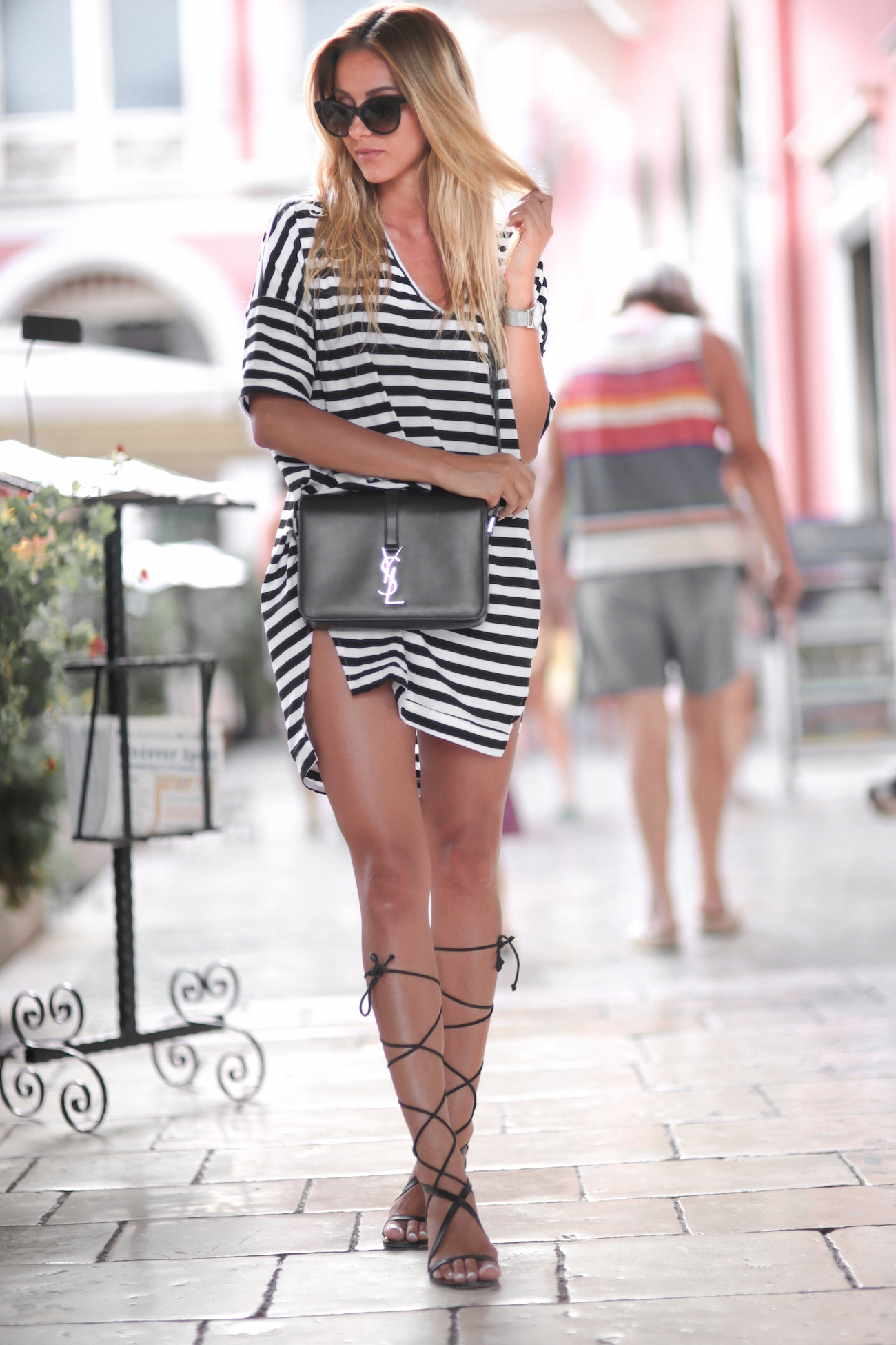 Black and white striped T-shirt dress, lace up sandals and a statement bag. Yeah, we approve. Via Sendi Skopljak T-shirt Dress: Sheinside, Bag: YSL, Shoes: Mango, Sunglasses: Chanel. Striped Dress Outfit