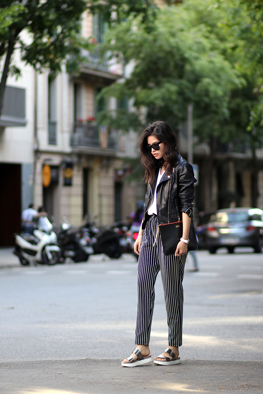 Adriana Gastélum is wearing black and white vertically striped trousers from Sheinside