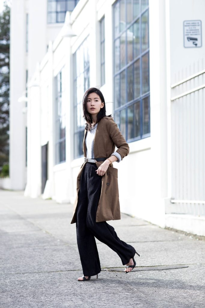 Wide Leg Trousers Trend 2015: Claire Liu is wearing a black wide leg trousers from H&M