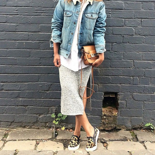 Instagram Fashion, March 2015: @shalinipapas is wearing a grey mid skirt with a pair of leopard print pumps and a denim jacket