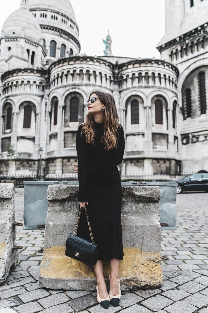 Sara Escudero is a vision in all black; wearing a pleated dress, and carrying a gorgeous vintage leather bag. Add shades and heels to complete a similar look! Dress: Zara, Bag: Chanel Vintage, Shoes: Chanel