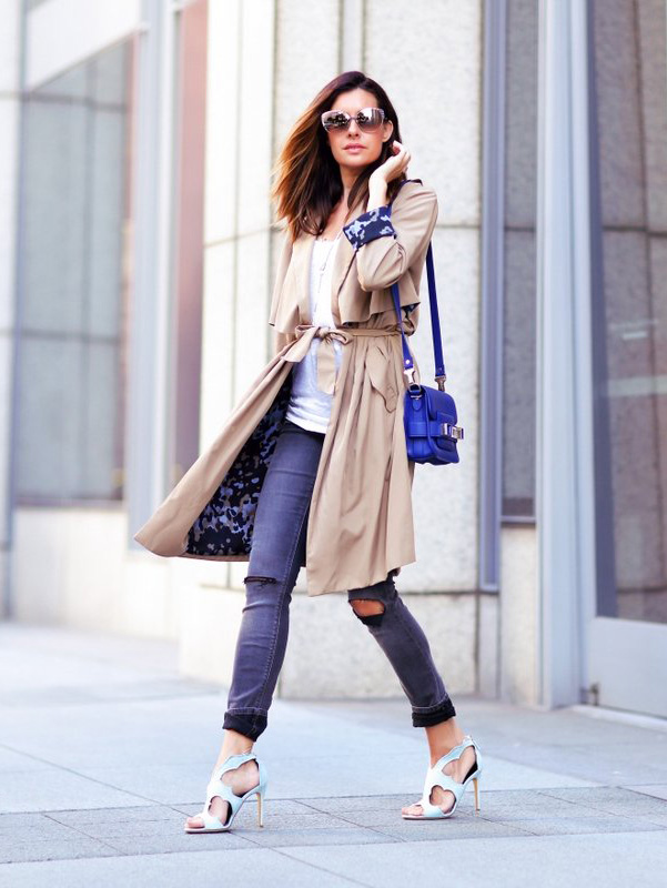Erica Hoida is wearing a draped trench coat from Zara