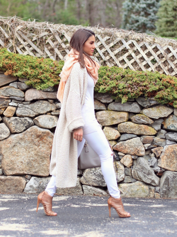 36c7eec69a Camila Coelho is wearing white jeans from J. Brand