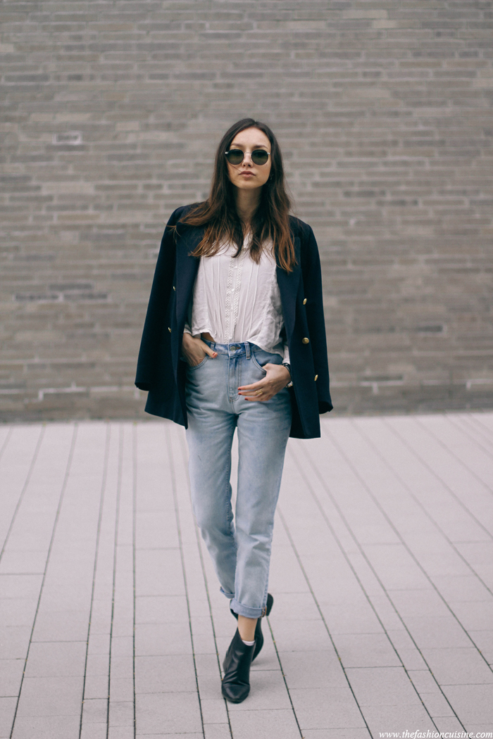 Beatrice Gutu is wearing a white blouse from Vila, mom jeans from Forever 21, blue blazer from Marks & Spencer and the shoes are from Zara