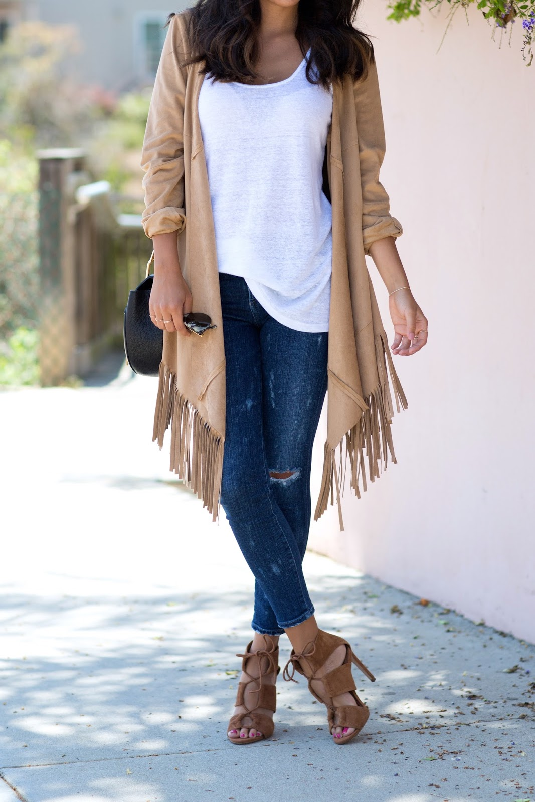what to wear with tan heels