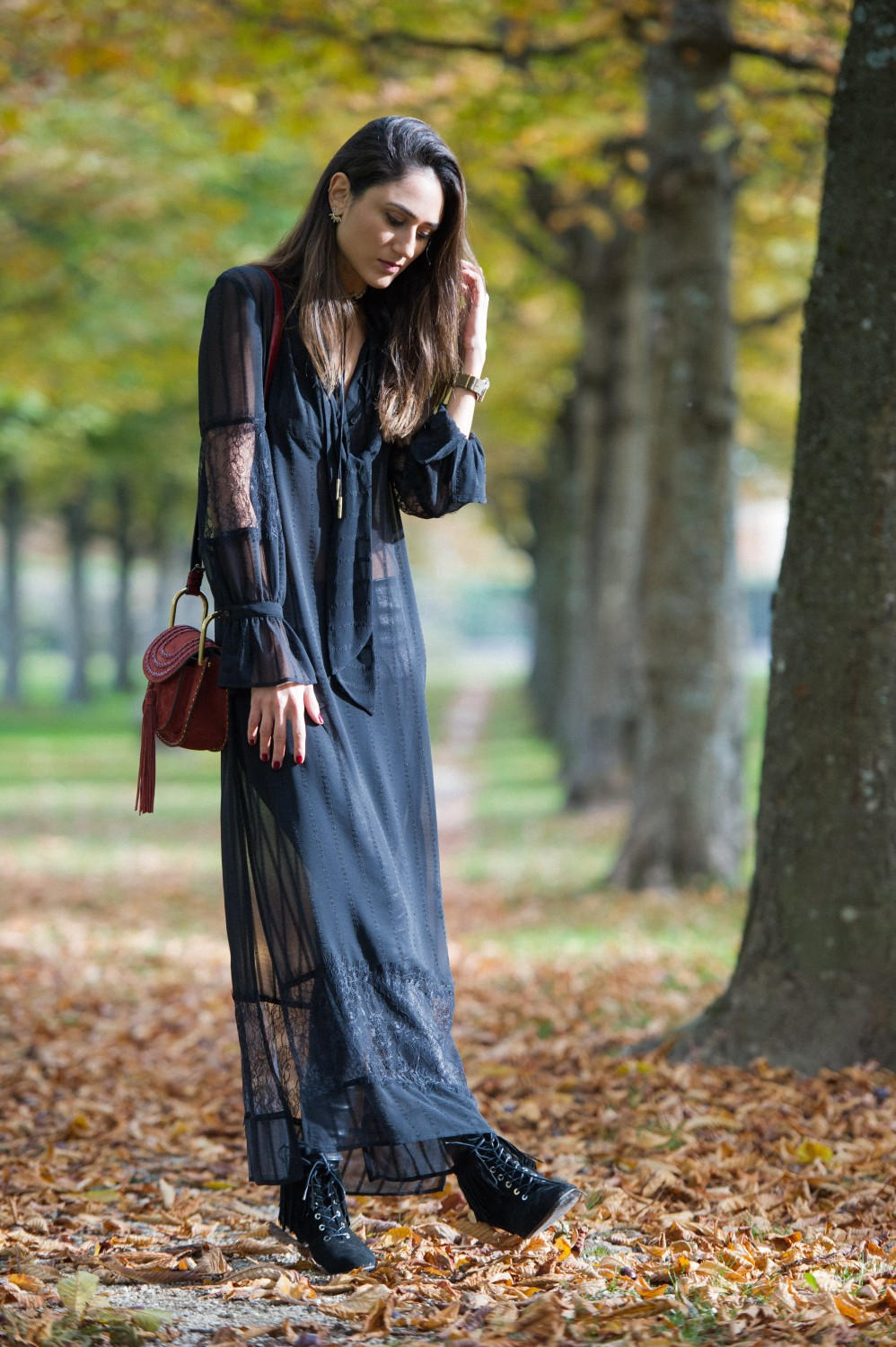 Soraya Bakhtiar looks gorgeous in this boho style lace maxi dress. Dress: H&M, Trousers: Balenciaga, Necklace: Topshop.