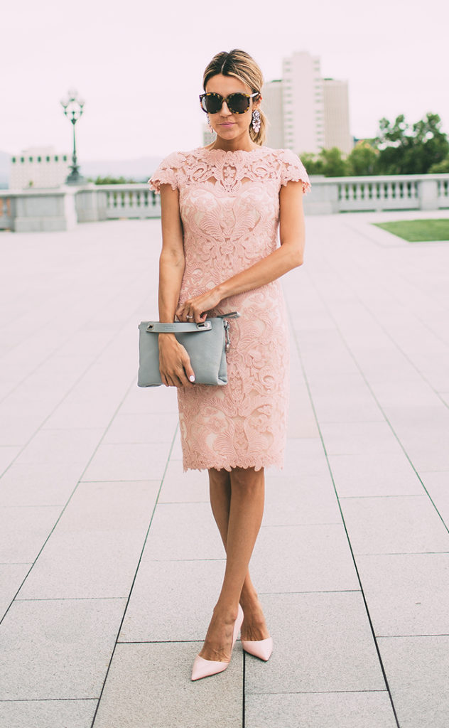 Grey bag and blush pink shoes and lace dress. Great combination. Via Christine Andrew  Dress: Tadashi Shoji, Bag: Skagen, Shoes: Kurt Geiger