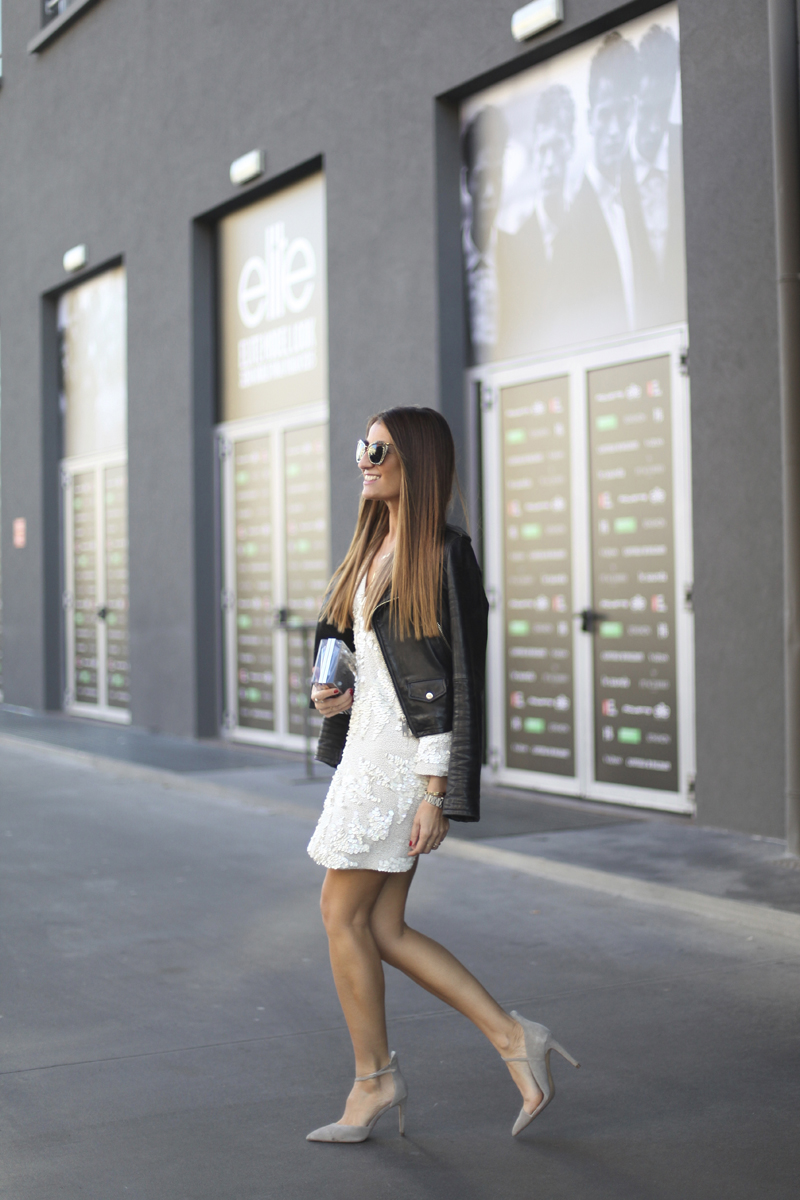 Black and white will always make a winning combination, and the lace trend is no exception! Silvia Garcia rocks a gorgeous white lace mini dress worn with a cute leather jacket and pale pastel heels. Dress: Antik Batik, Shoes: Zara, Jacket: Mango, Bag: Chanel.