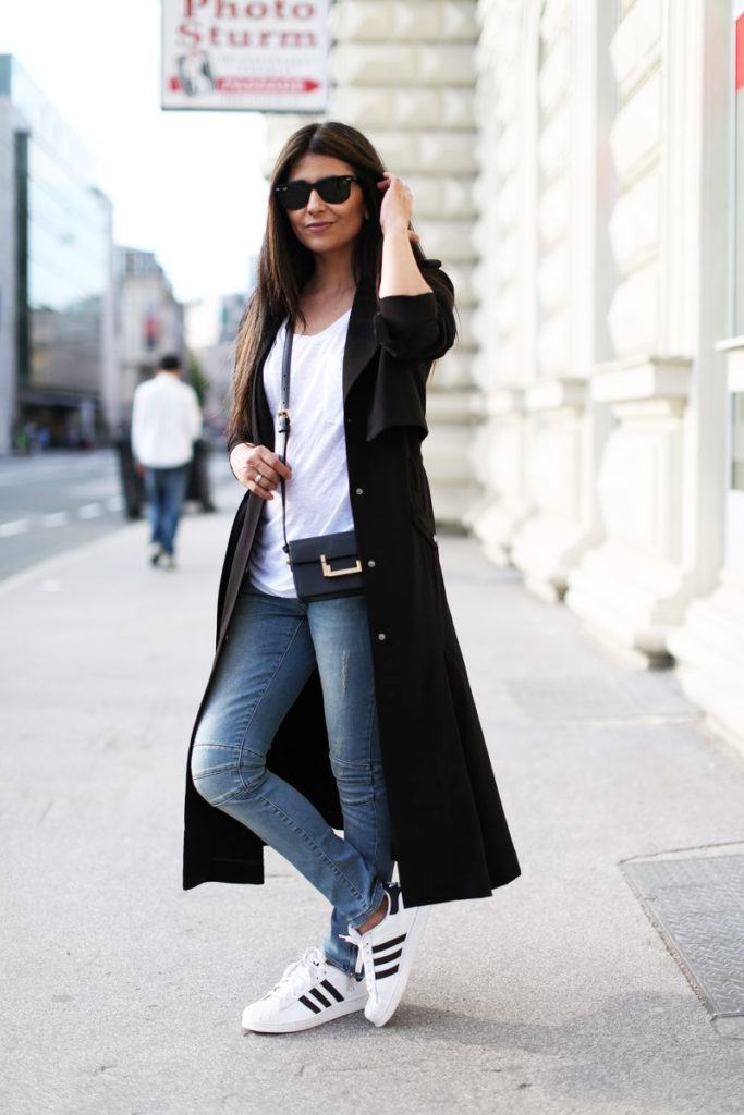 Laura Dittrich does spring so well with this outfit, light maxi coat, white T-shirt, jeans and sneakers  All items are from Set except the trench coat which is from H&M