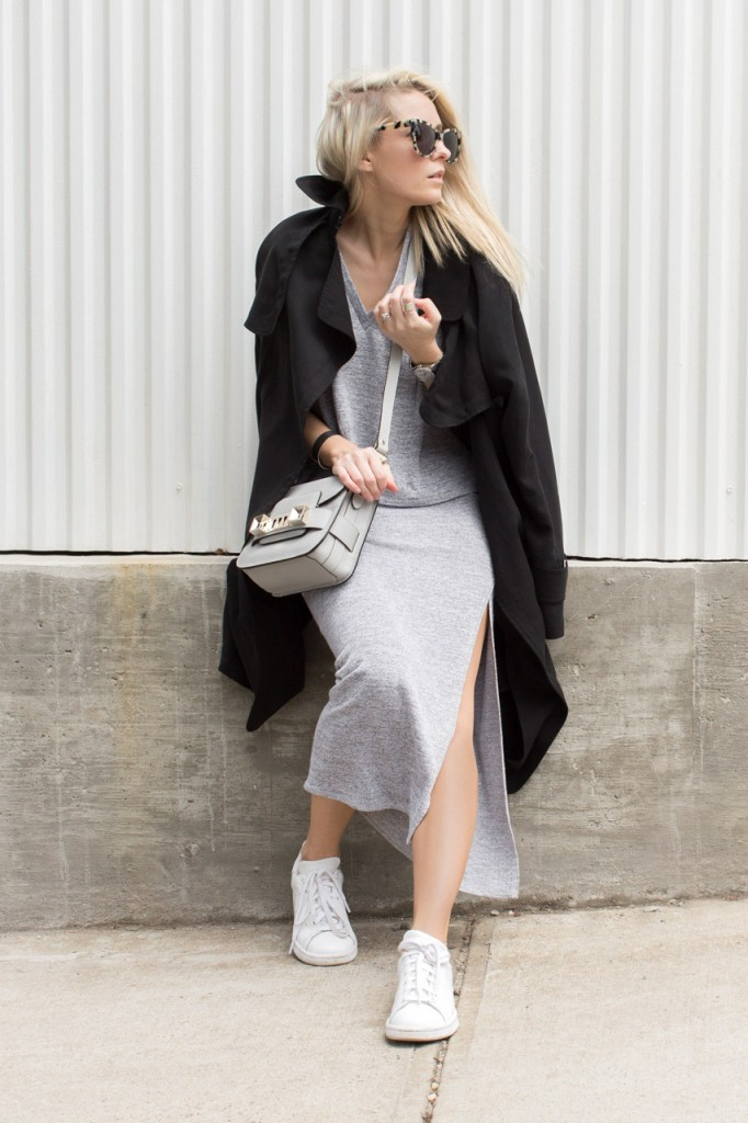 Although winter is over, grey still works for spring. Wear a light black jacket, co-ord top and slit skirt plus some simple sneakers and you are good to go. Via Figtny Top/Skirt/Trench Coat: Aritzia, Bag: Proenza Schouler Sneakers: Adidas