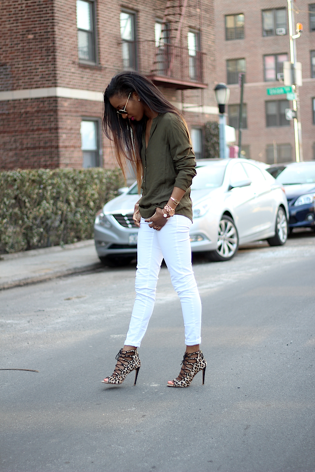 White skinny jeans and heels