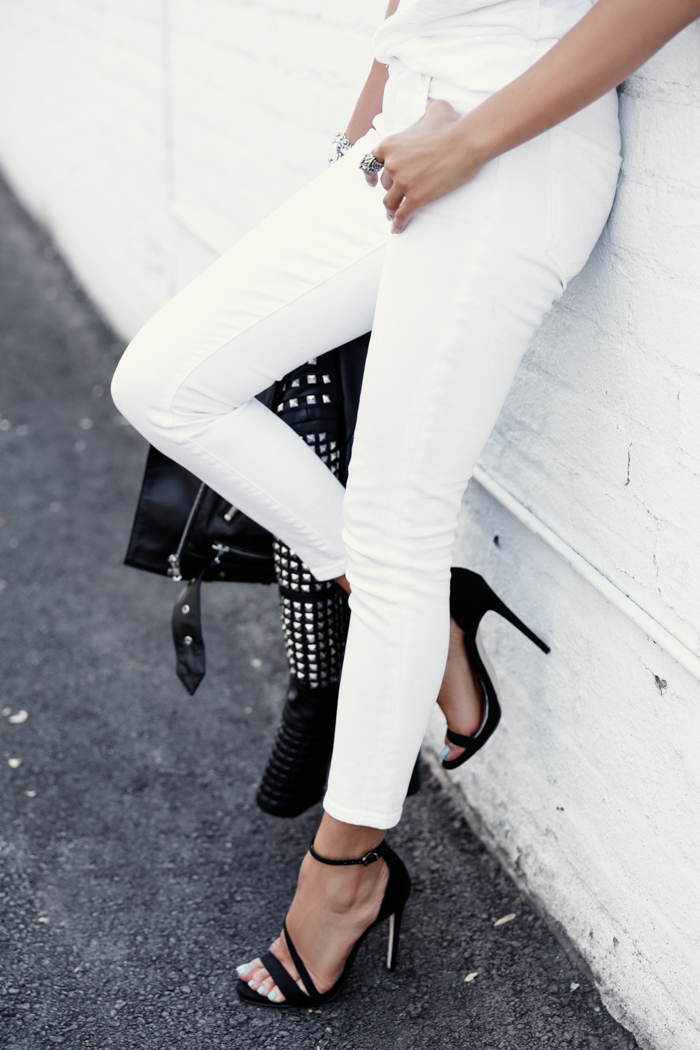 Black Sweater Dark Jeans White Shoes