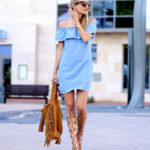 The blue off-the-shoulder denim dress and the brown suede bag and gladiator sandals gives a very balanced fee to this outfit. Via Leonie Sophie Dress/Bag: Zara, Sandals: Uterque. How To Wear Gladiator Sandals