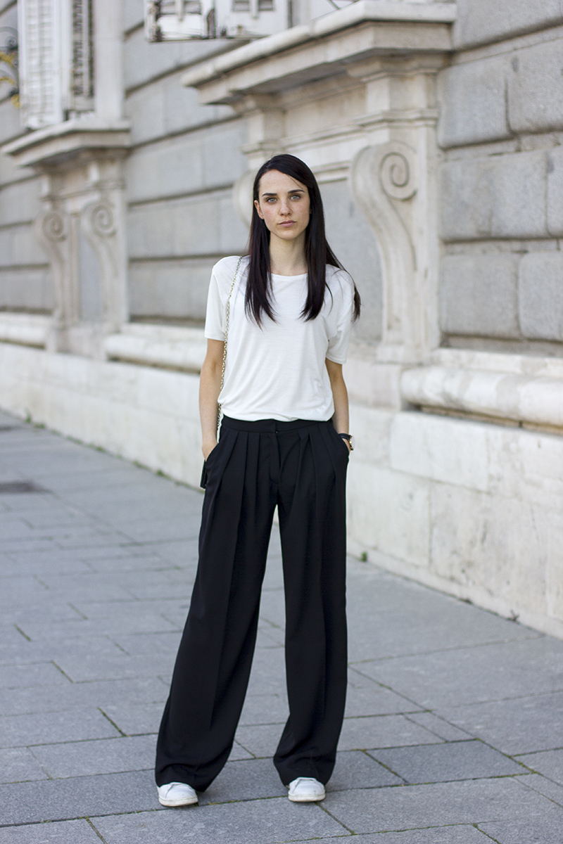 Via Rosalia Salas Pants: Mango, T-shirt: & Other Stories, Sneakers: Adidas