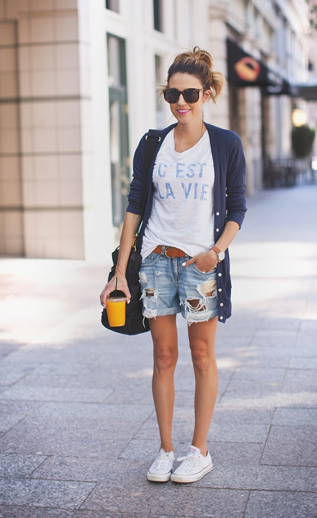 You can so easily style your Converse with a graphic T-Shirt, denim cut-offs and a cardigan. The colour scheme is of less importance. Via Christine Andrew