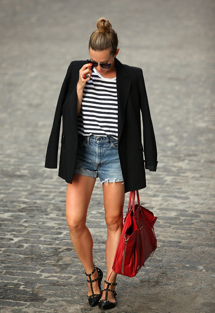 Add a blazer to this classic look to keep warm at night time. Via Helena Glazer Bag: Balenciaga, Shoes: Valentino, Blazer: Theory, Shorts: Vintage Levis, Striped Tee: H&M