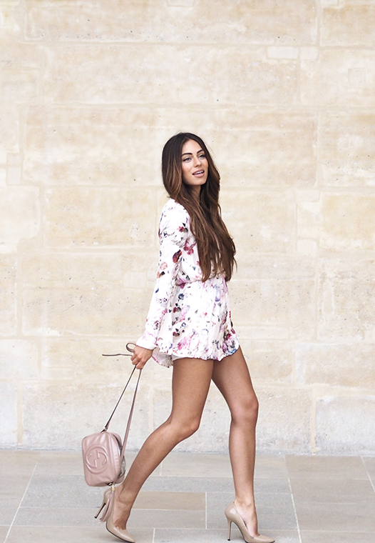 Summery floral jumpsuit and pink bag. Via Lydia Lise Millen  Jumpsuit: Missguided, Bag: Gucci
