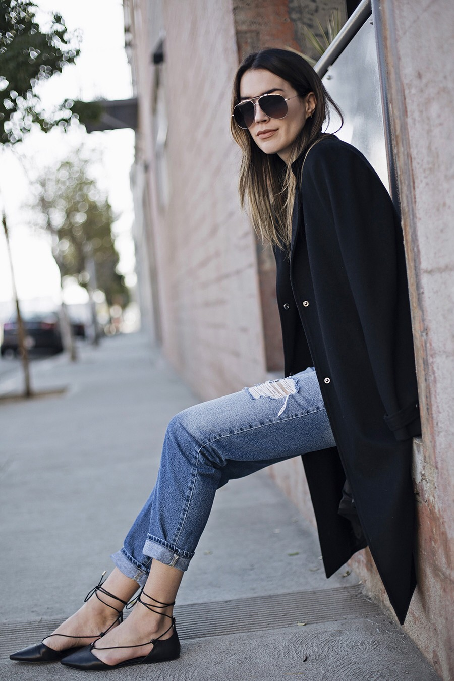 Boyfriend Jeans Outfits And Tips On How To Wear Them