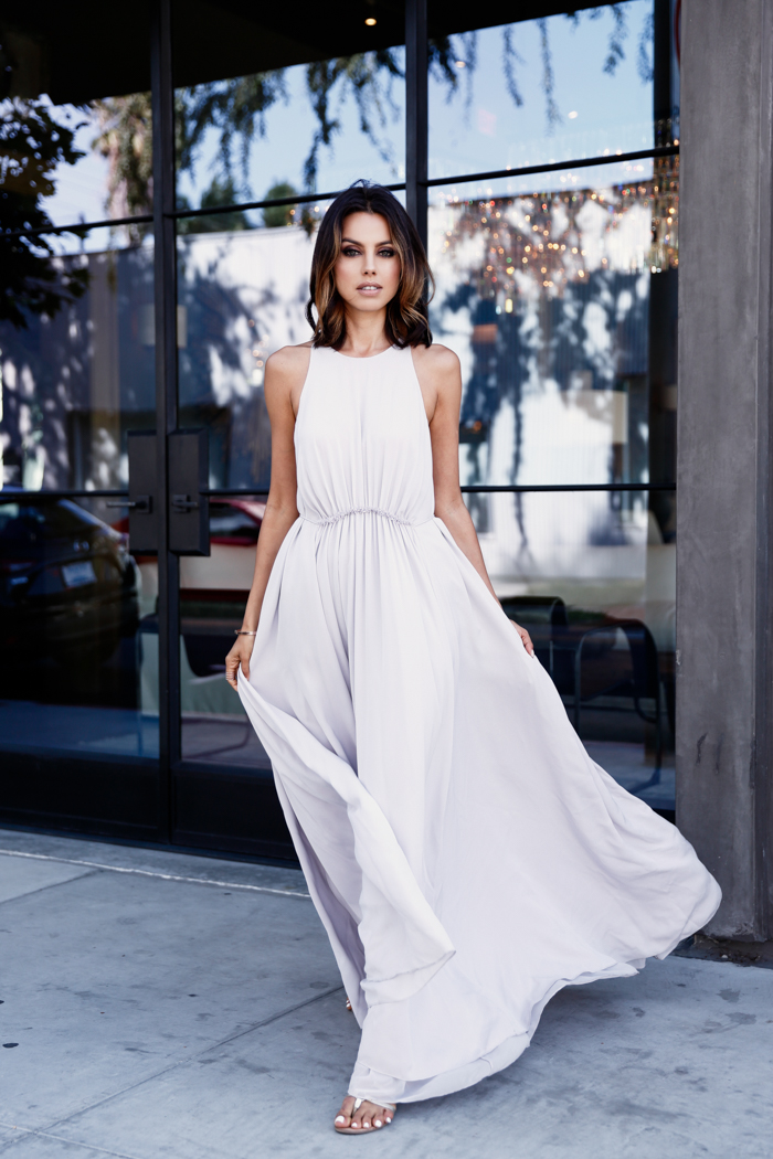 Maxi Dress Outfits: How To Wear A Maxi Dress ? Read On ...