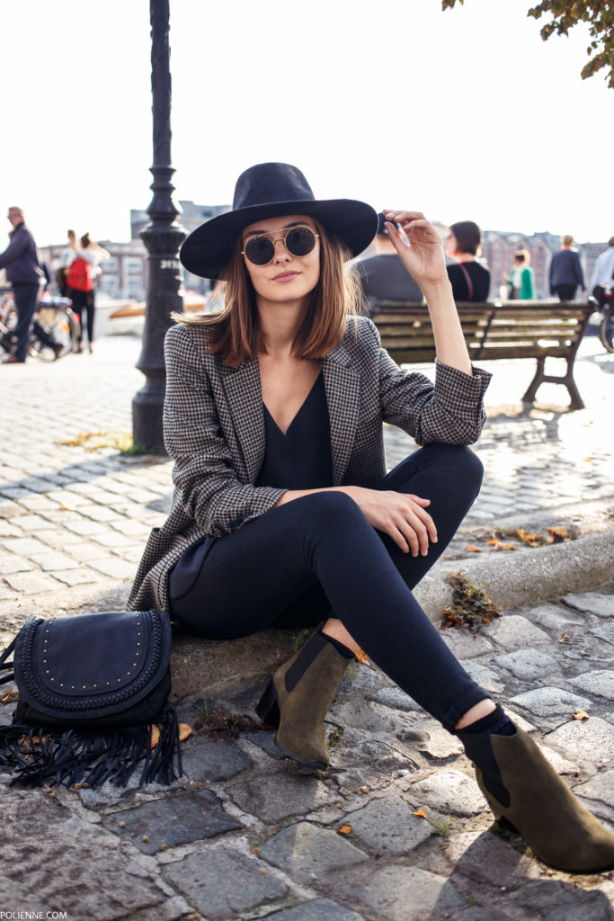 A tweed blazer will be perfect with skinny jeans and boots this fall. Via Rosanna van Billie-Rose.  Blazer: Zara, Jeans: Cheap Monday.
