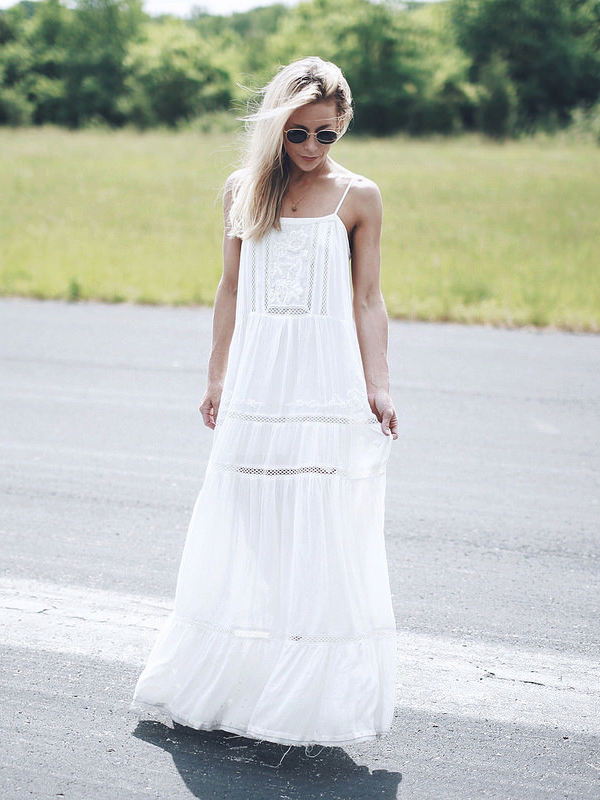 Beautiful and not over the top. An amazingly good looking summer dress. Via Mary Seng Dress: Urban Outfitters. Maxi Dress Outfit