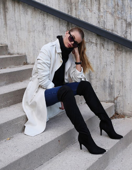 These black over the knee boots are contrasted perfectly with this cream trench coat. Via Josefinkekstroms. Coat: Gina Tricot, Knit, Bikbok.