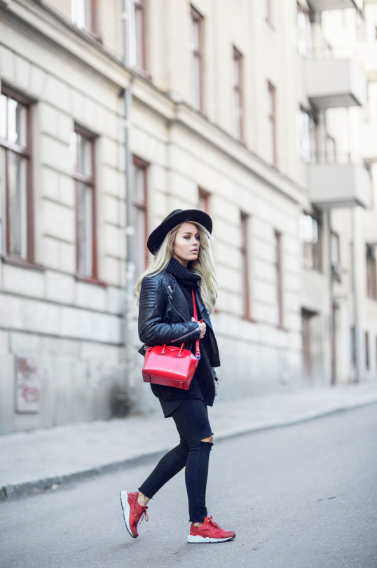 8ec512caef0 Angelica Blick keeps it casual in skinny jeans and a cropped leather jacket.  Polo