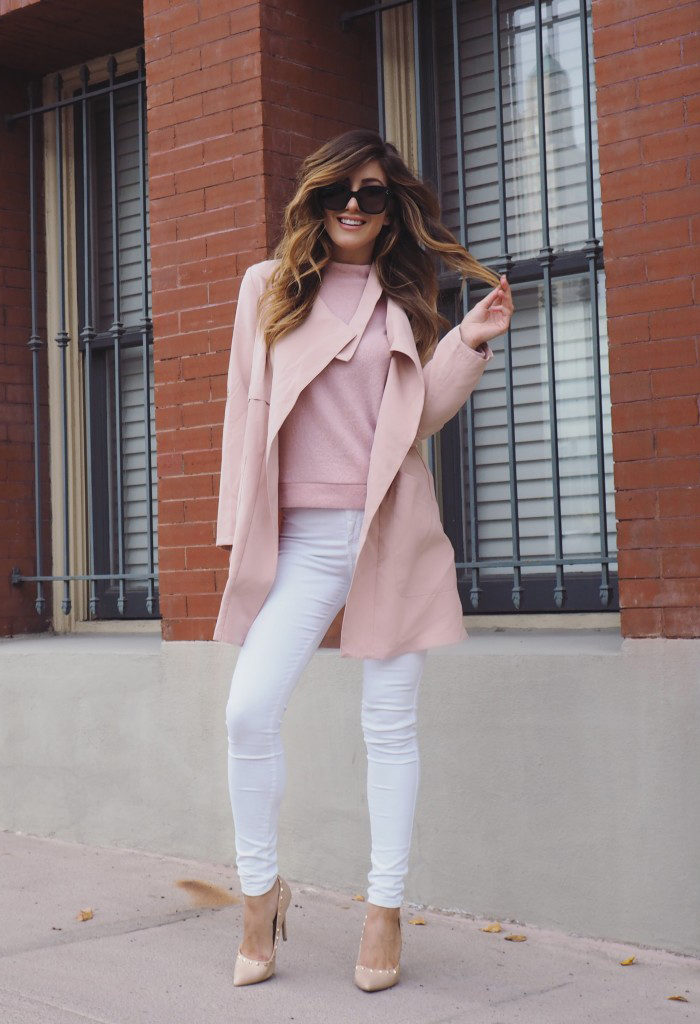 Deniz Selin wears a brushed pink knit sweater with white skinny jeans and a pair of nude heels.   Sweater: Forever 21, Jeans: Daily Look, Heels: Just Fab.