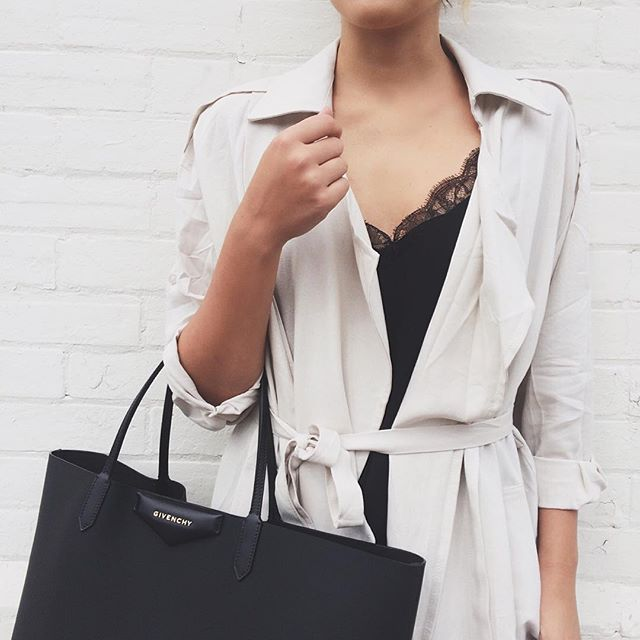 Stephanie Sterjovski pairs a gorgeous black Givenchy bag with her pale trench coat. Trench: Chicwish, Bag: Givenchy.