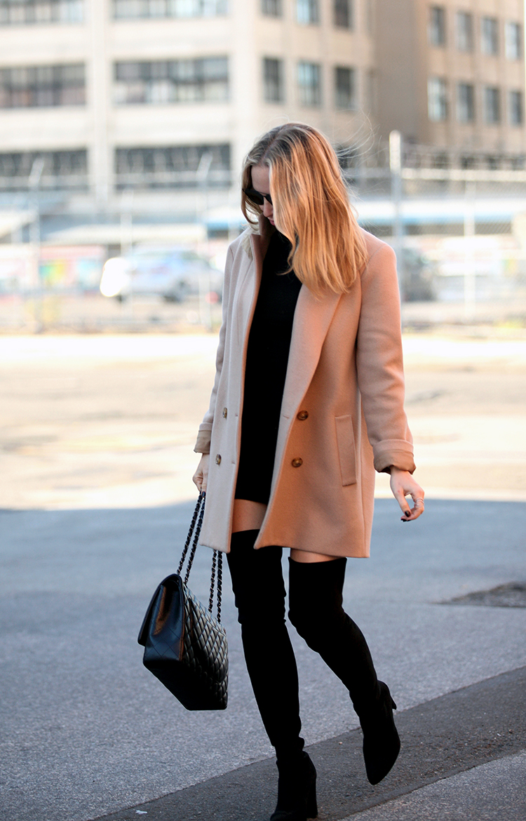 Wear the camel coat trend with over the knee boots and a black polo mini dress to recreate Helena Glazer's sophisticated look. Whip out a pair of shades to get that additional glamour. Coat: Theory, Dress: Susana Monaco, Boots: Stuart Weitzman 'All Legs', Sunglasses: Dior.
