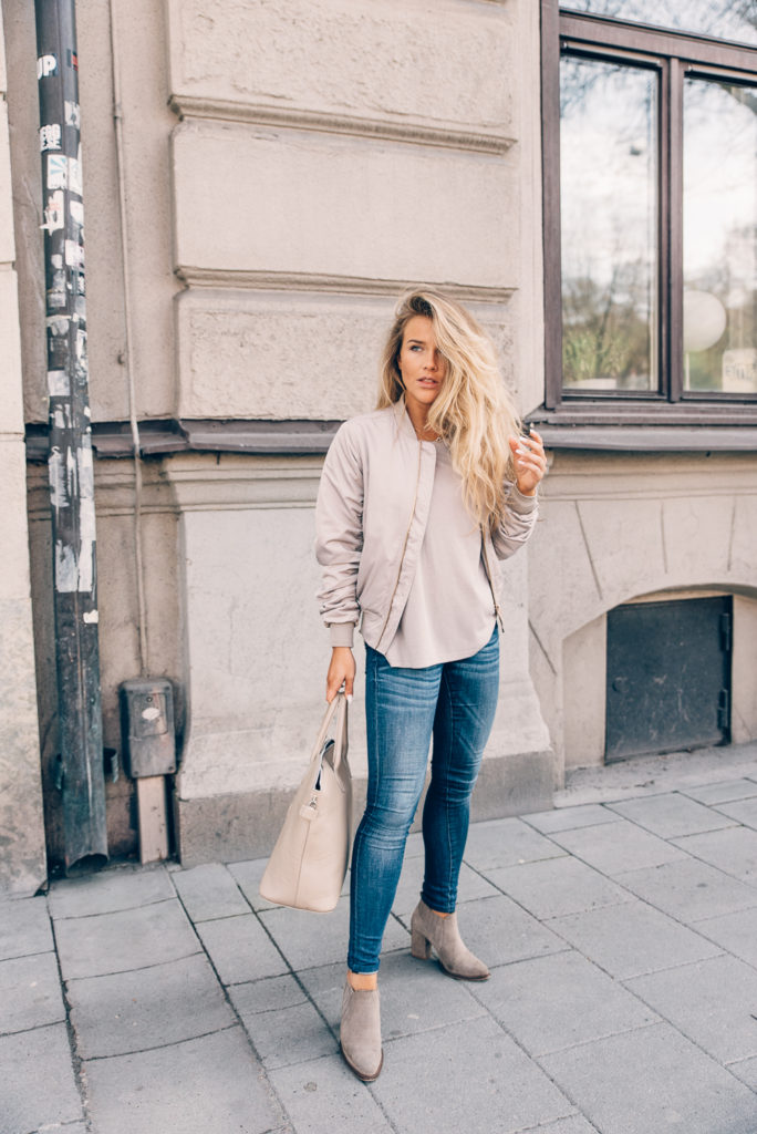 Getting bored of your classic black bomber? Why not try wearing jackets in a variety of other tones – pastels are best for a spring or summer style! We are particularly loving this gorgeous mauve number, worn by Molly Rustas.   Jeans: Crocker, Jacket: Size 8 Needle, T-shirt: Forever21.