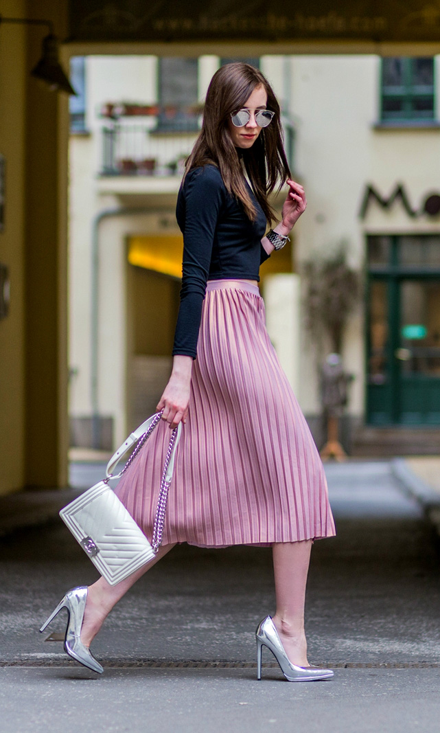 The Pleated Skirt Outfit Is A Game Changer This Spring ...