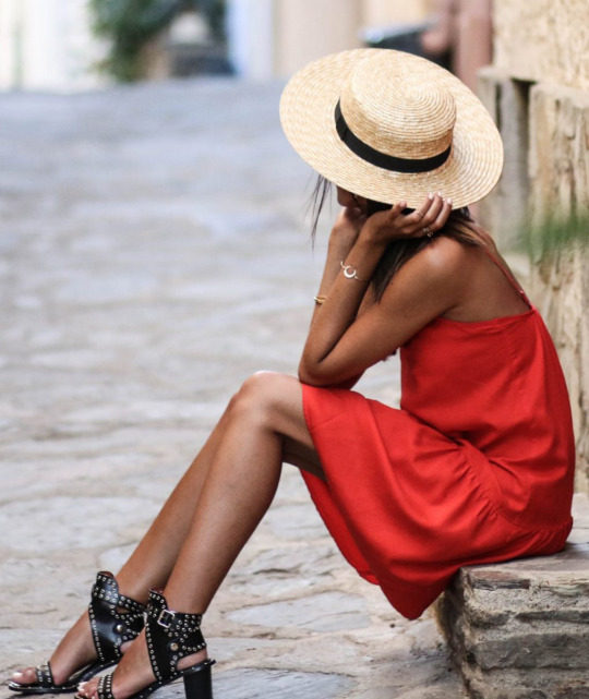 You simply cannot go wrong in a red dress, as shown by Federica L. in this gorgeous scarlet number! Pair a dress such as this with spiked or studded heels to get that rocker girl chic we all crave. Dress: Promod.