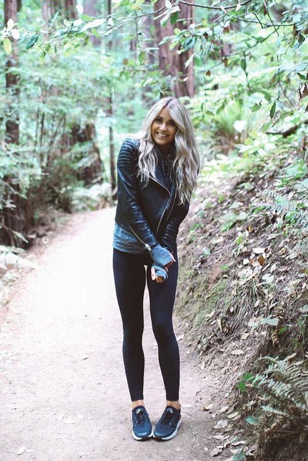 As it begins to get cooler, why not cosy up in a woollen sweater and a leather jacket outfit like Cara Loren. This look is a must-wear for the autumn and winter seasons, and will always give you an effortlessly cute aesthetic! Jacket: H&M, Jumper: Forever21, Leggings: Lulu Lemon.