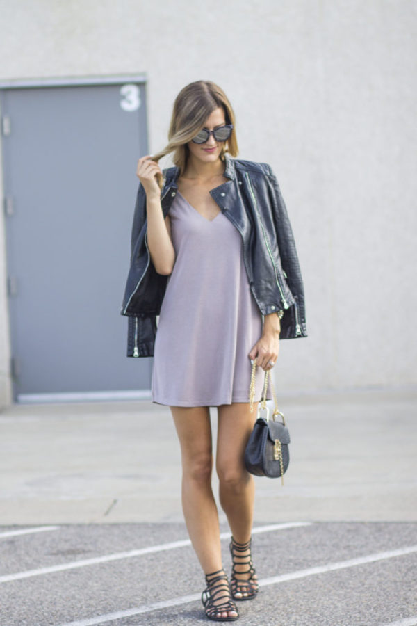To give your summer evening dress an urban edge, why not try pairing it with a leather jacket. Brenna's style, consisting of a lilac dress, leather jacket and gladiator sandals, is both achievable and effortlessly cool! Jacket: Shein, Dress: Lulu's, Bag: Make Me Chic.