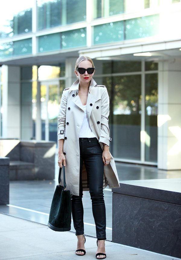 A pale coloured trench coat will also make an excellent contrast to a pair of leather leggings, demonstrated here in this outfit worn by Helena Glazer. With a plain white tee and a pair of cool shades, this style screams street glam! Trench/Trousers: Burberry, Tee: Splendid, Shoes: Steven.
