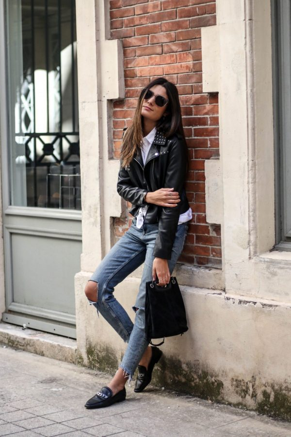 Loafers will always look great with a pair of distressed denim jeans. Federica L. wears this style with a leather jacket for an achievable biker girl style! Jacket: Mango, Top: Zara, Jeans: Bershka.