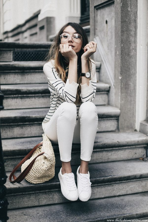 7c82e89324 Style Tips On What To Wear With White Jeans - The White Jeans Outfit ...